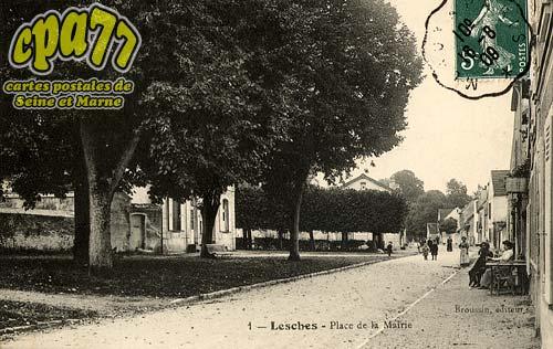 Lesches - Place de la Mairie