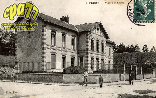 Liverdy En Brie - Mairie et Ecoles