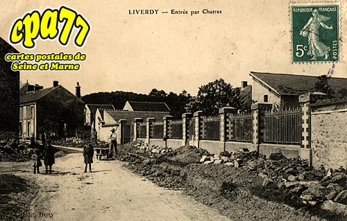 Liverdy En Brie - Entrée par Chatres