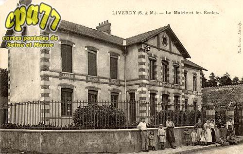 Liverdy En Brie - La Mairie et les Ecoles