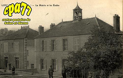 Longueville - La Mairie et les Ecoles