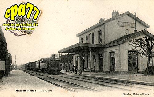 Maison Rouge En Brie - La Gare