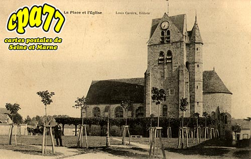 Marolles Sur Seine - La Place et l'Eglise