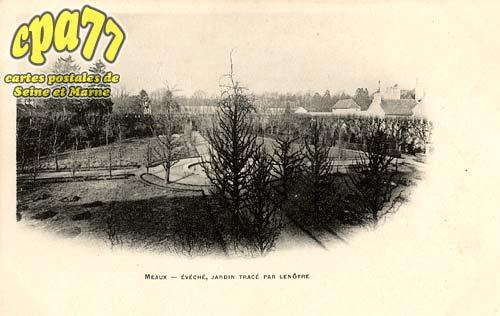 Meaux - Evêché, jardin tracé par Lenôtre