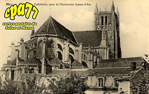 Meaux - Vue de la Cathédrale, prise de l'Institution Jeanne d'Arc