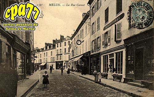 Melun - La Rue Carnot