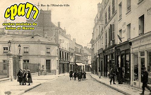 Melun - Rue de l'Hôtel de Ville