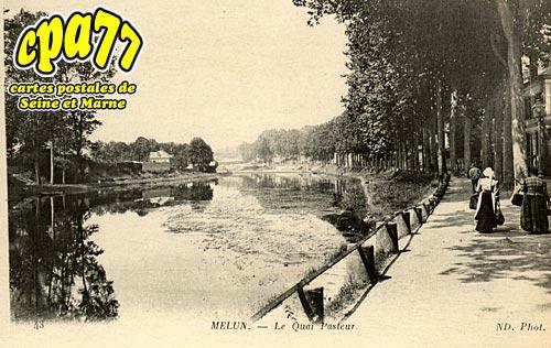 Melun - Le Quai Pasteur