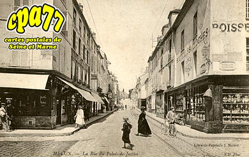 Melun - La rue du Palais de Justice