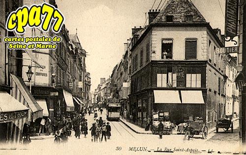 Melun - La Rue Saint-Aspais