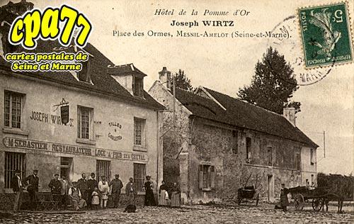 Le Mesnil Amelot - Place des Ormes - Hôtel de la Pomme d'Or-Joseph Wirtz