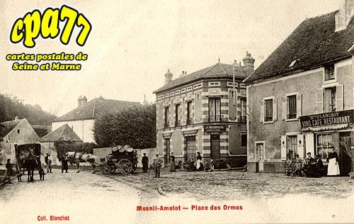 Le Mesnil Amelot - Place des Ormes