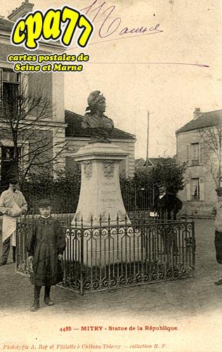 Mitry Mory - Statue de la République (en l'état)