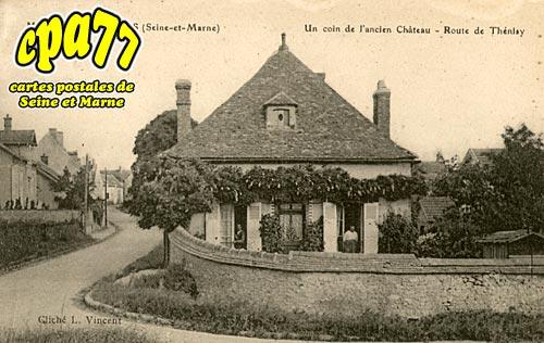 Mons En Montois - Un coin de l'ancien Château - Route de Thénisy