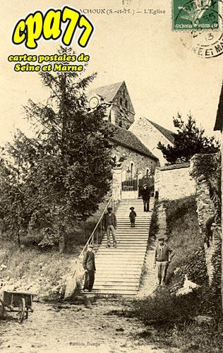 Montmachoux - L'Eglise