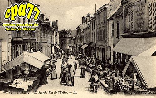 Moret Sur Loing - Le Marché Rue de l'Eglise