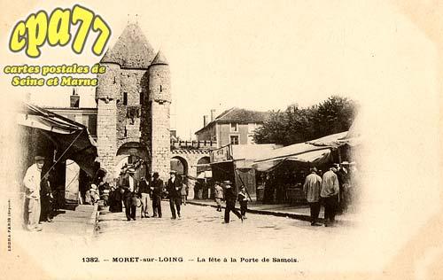 Moret Sur Loing - La Fête à la Porte de Samois