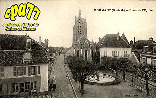 Mormant - Place de l'Eglise