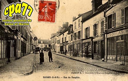 Nangis - Rue du Dauphin