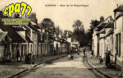 Nangis - Rue de la République