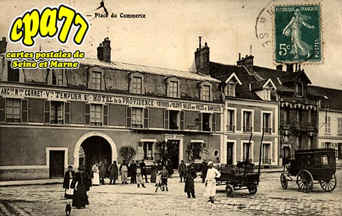 Nangis - Place du Commerce