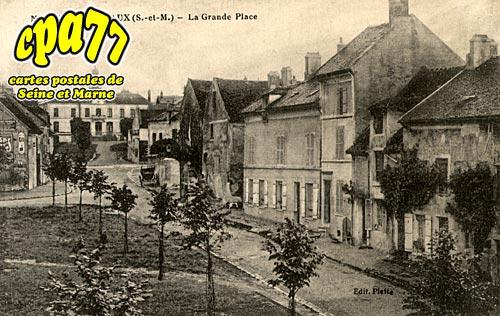 Nanteuil Lès Meaux - La Grande Place