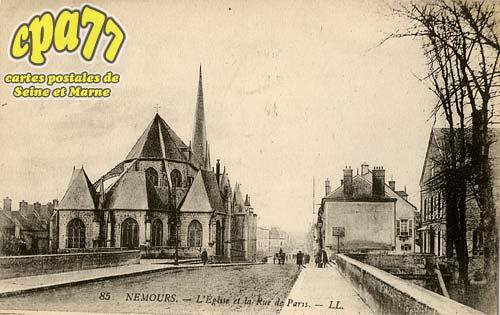 Nemours - L'Eglise et la Rue de Paris