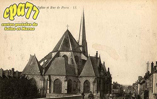 Nemours - Eglise et Rue de Paris