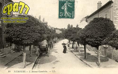 Nemours - L'Avenue Gambetta