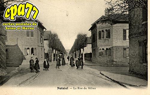 Noisiel - La Rue du Milieu