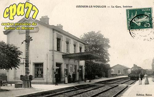 Ozouer Le Voulgis - La Gare, Intérieur