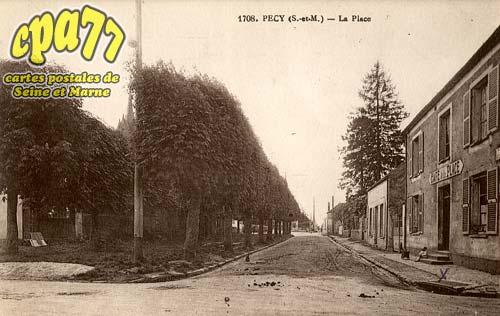 Pécy - La Place