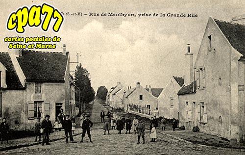 Penchard - Rue de Menthyon, prise de la Grande Rue