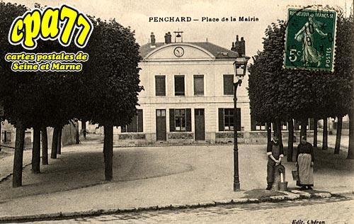 Penchard - Place de la Mairie