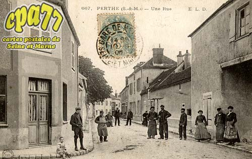 Perthes En Gâtinais - Une Rue