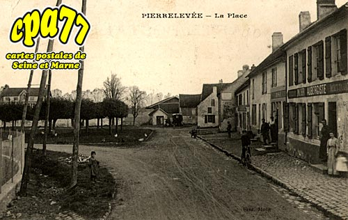 Pierre Levée - La Place