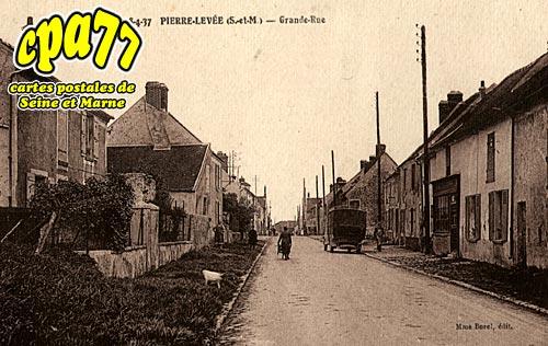 Pierre Levée - Grande-Rue