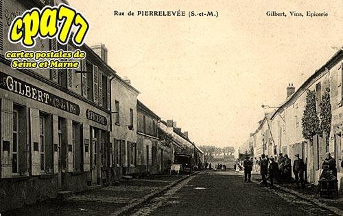 Pierre Levée - Gilbert, Vins, Epicerie (en l'état)
