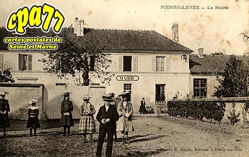 Pierre Levée - La Mairie