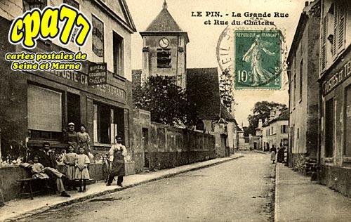 Le Pin - La Grande Rue et Rue du Château