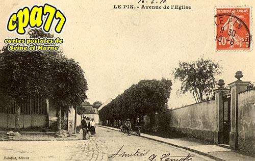 Le Pin - Avenue de l'Eglise