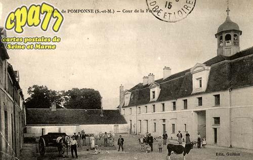 Pomponne - Château de Pomponne - Cour de la Ferme