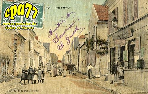 Quincy Voisins - Rue Pasteur