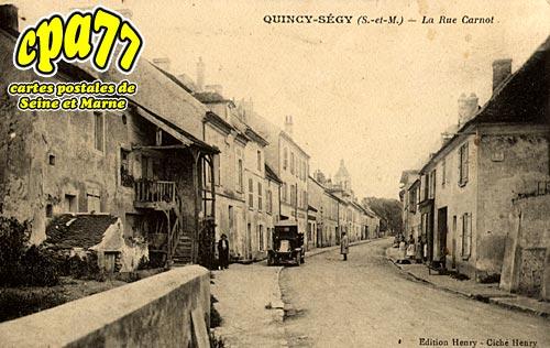 Quincy Voisins - La Rue Carnot