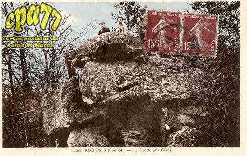 Recloses - La Grotte aux Curés