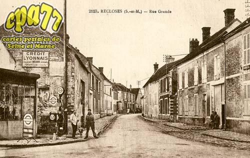 Recloses - Rue Grande