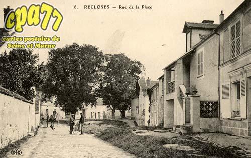 Recloses - Rue de la Place