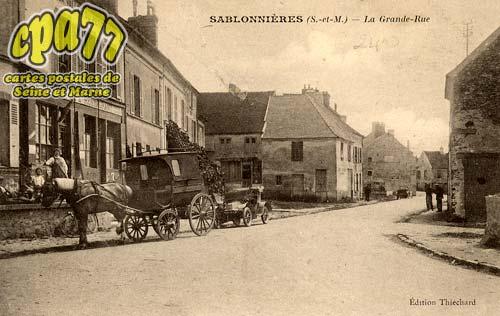Sablonnières - La Grande-Rue