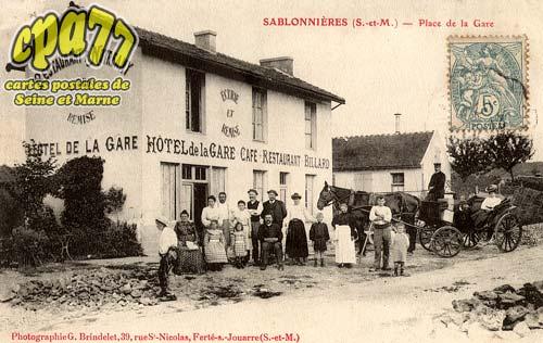 Sablonnières - Place de la Gare
