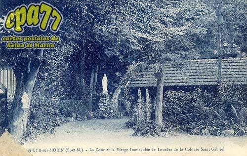 St Cyr Sur Morin - La Cour et la Vierge Immaculée de Lourdes de la Colonie Saint-Gabriel